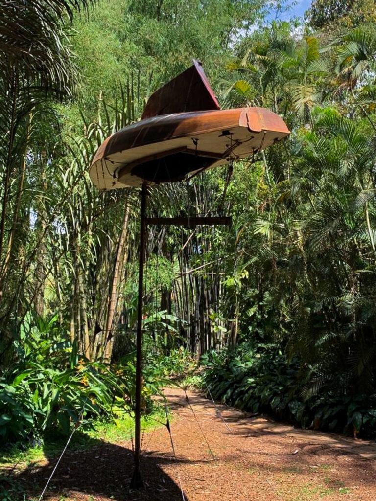 Simon Starling, The Mahogany Pavilion (Mobile Architecture nº 1), 2004. Acervo de arte contemporânea Inhotim