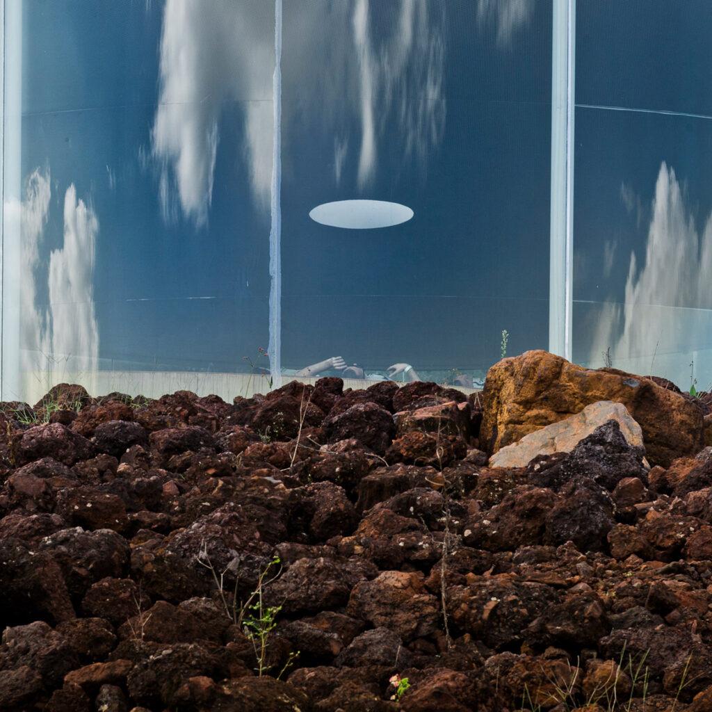 Sonic Pavilion, 2009, de Doug Aitken. Acervo de arte contemporânea do Inhotim