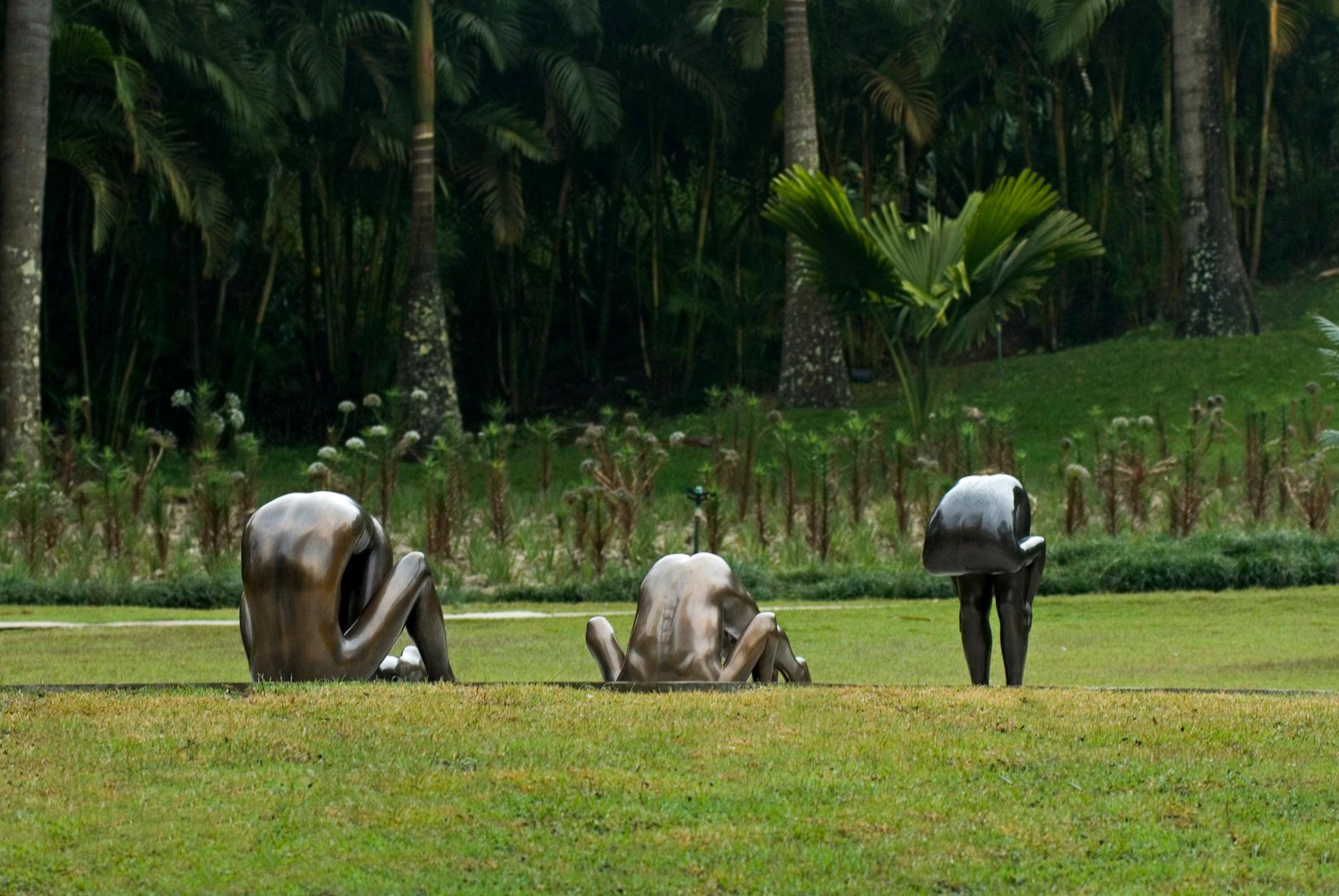 Obras sem título, 2000; sem título, 2002; sem título, 2005 de Edgard de Souza. Acervo de arte contemporânea Inhotim