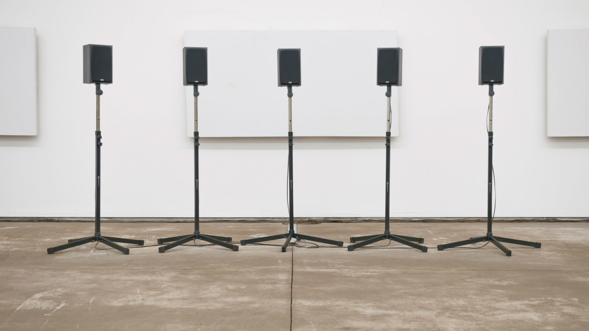 Forty Part Motet, 2001 de Janet Cardiff. Acervo de arte contemporânea Inhotim