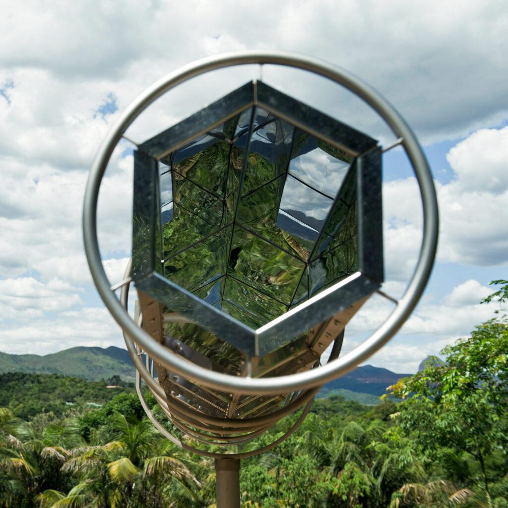 Viewing Machine, 2001 de Olafur Eliasson. Acervo de arte contemporânea Inhotim