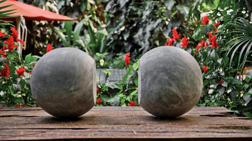 Escultura para todos os materiais não transparentes (1985) de Waltercio Caldas. Acervo de arte contemporânea Inhotim