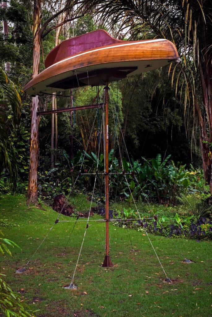 Simon Starling, The Mahogany Pavilion (Mobile Architecture nº1), 2004. Acervo de arte contemporânea Inhotim