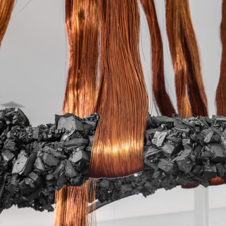 Obra Palíndromo Incesto, 1990-1992, de Tunga. Acervo de arte contemporânea Inhotim