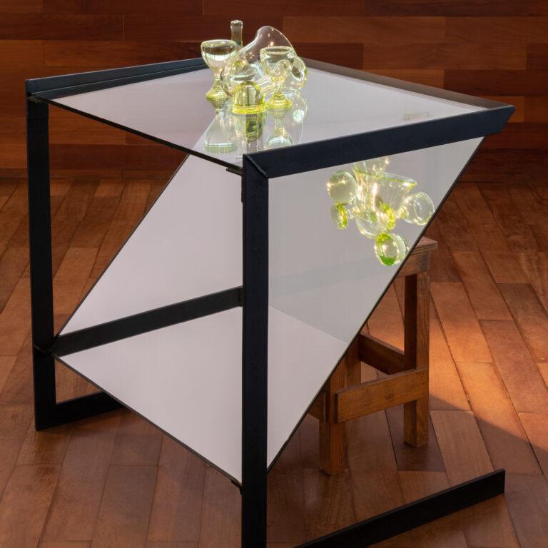 Obra Laboratório Nociferatu, 1999-2012, de Tunga. Acervo de arte contemporânea Inhotim